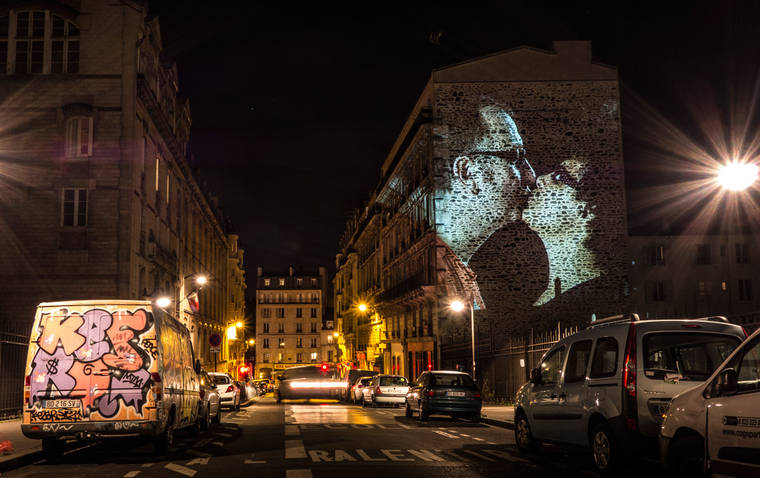 projections-couples-baisers-paris-14