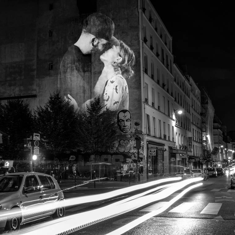 projections-couples-baisers-paris-3