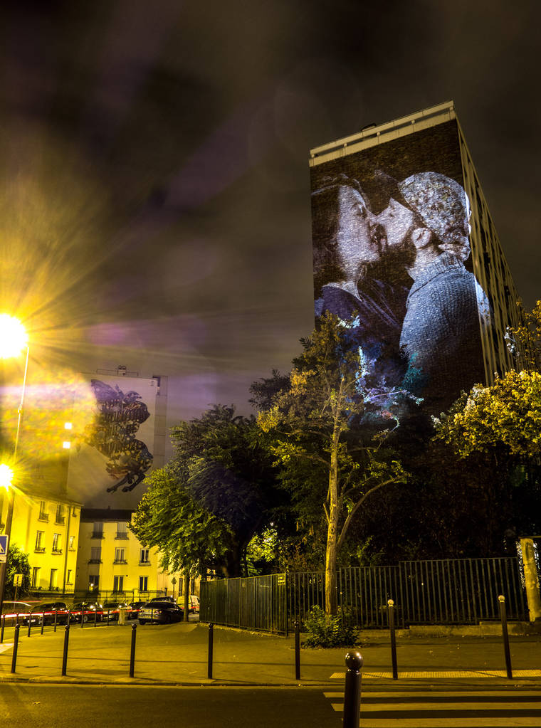 projections-couples-baisers-paris-4