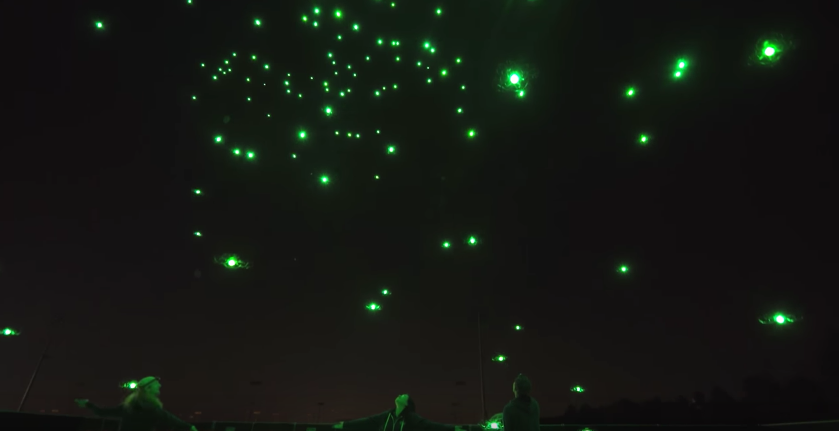 spectacle-lumineux-drone-disney-3