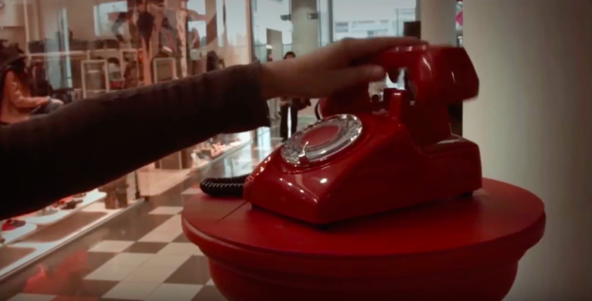 telephone-rouge-supermarche-7