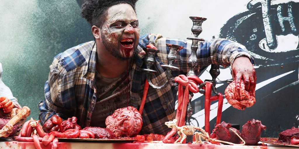 Un Panneau Publicitaire Infeste De Zombies Pour The Walking Dead