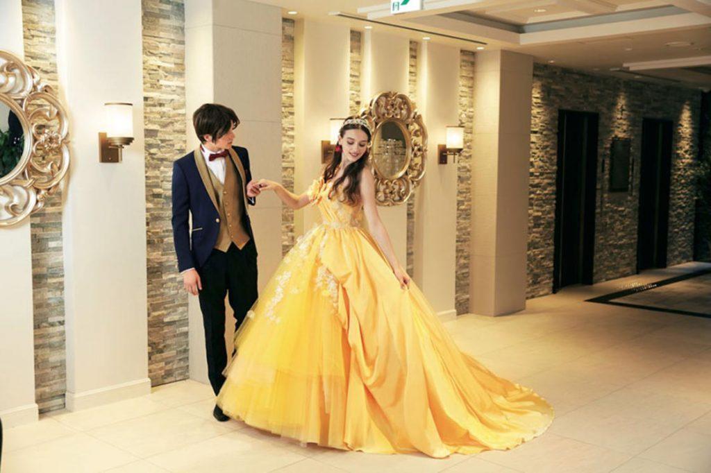 Au Japon Disney Lance Des Robes De Mariees A L Image De Ses Princesses