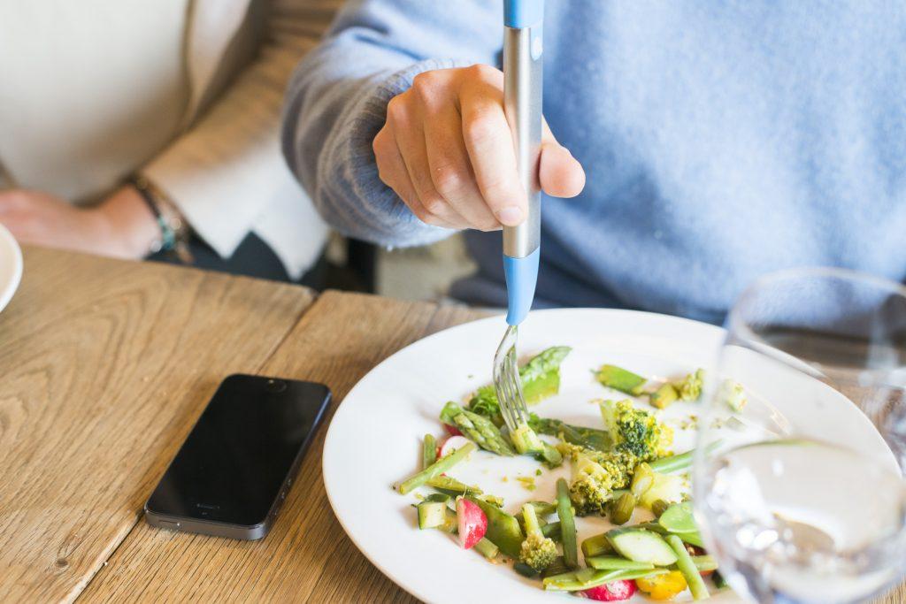 Slow Control : la fourchette intelligente qui vous aide à perdre du poids