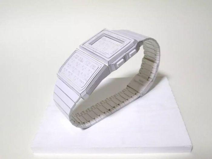 Manabu Kosaka crée des montres avec du papier