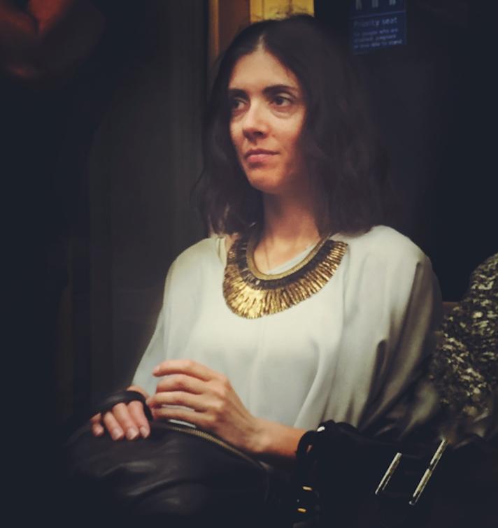 Il transforme les passagers du métro en portraits de la Renaissance