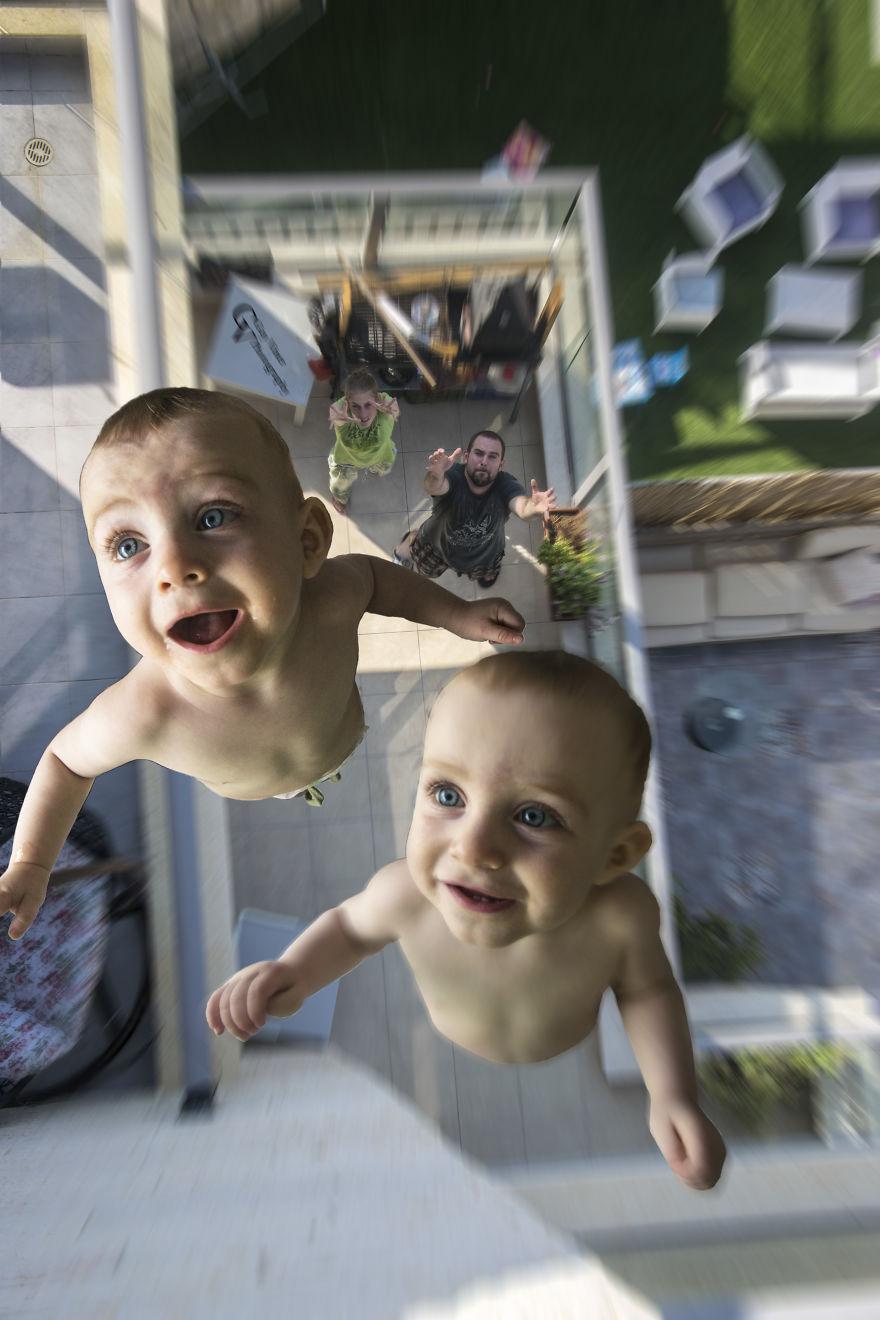 Ce papa créatif réalise un projet photo délirant avec ses jumeaux