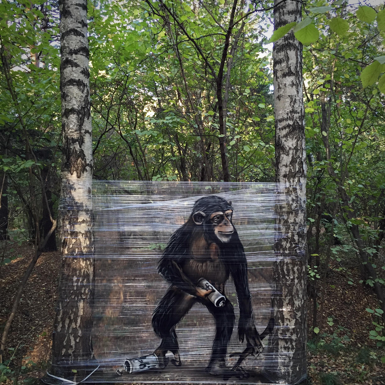 Evgeny Ches peint sur cellophane pour créer des illusions impressionnantes