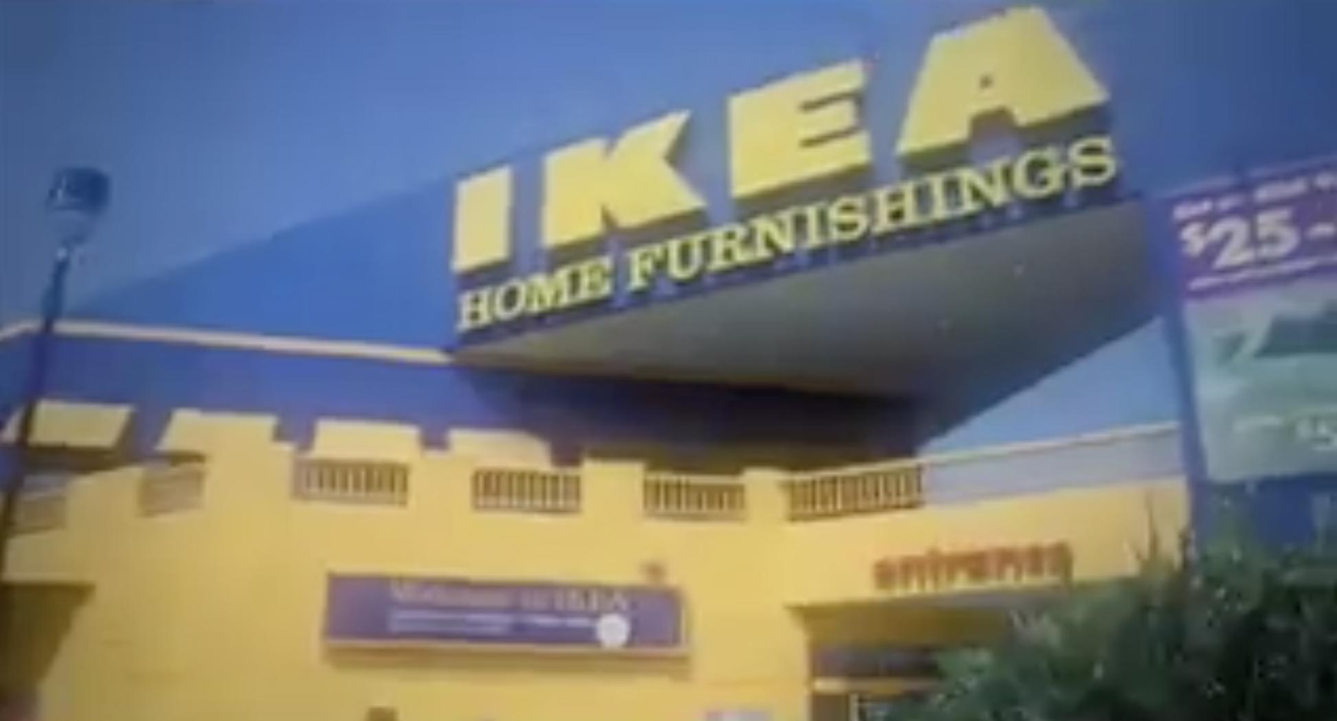 """Ils parodient """"Les Feux de l'Amour"""" en tournant une série dans un magasin IKEA"""
