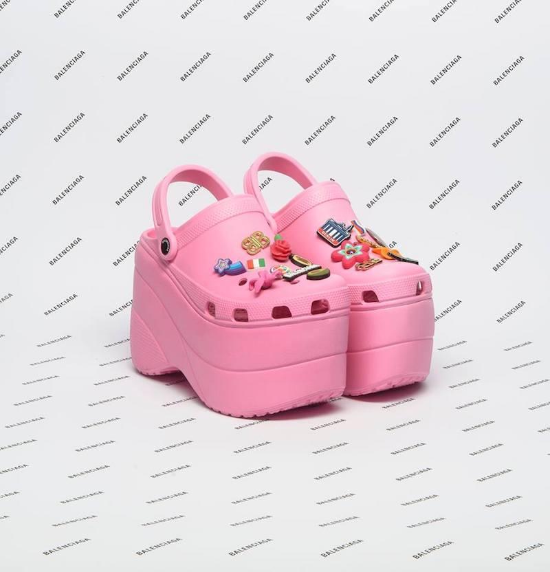 Balenciaga dévoile sa version des Crocs à 680 € et déjà en rupture de stock