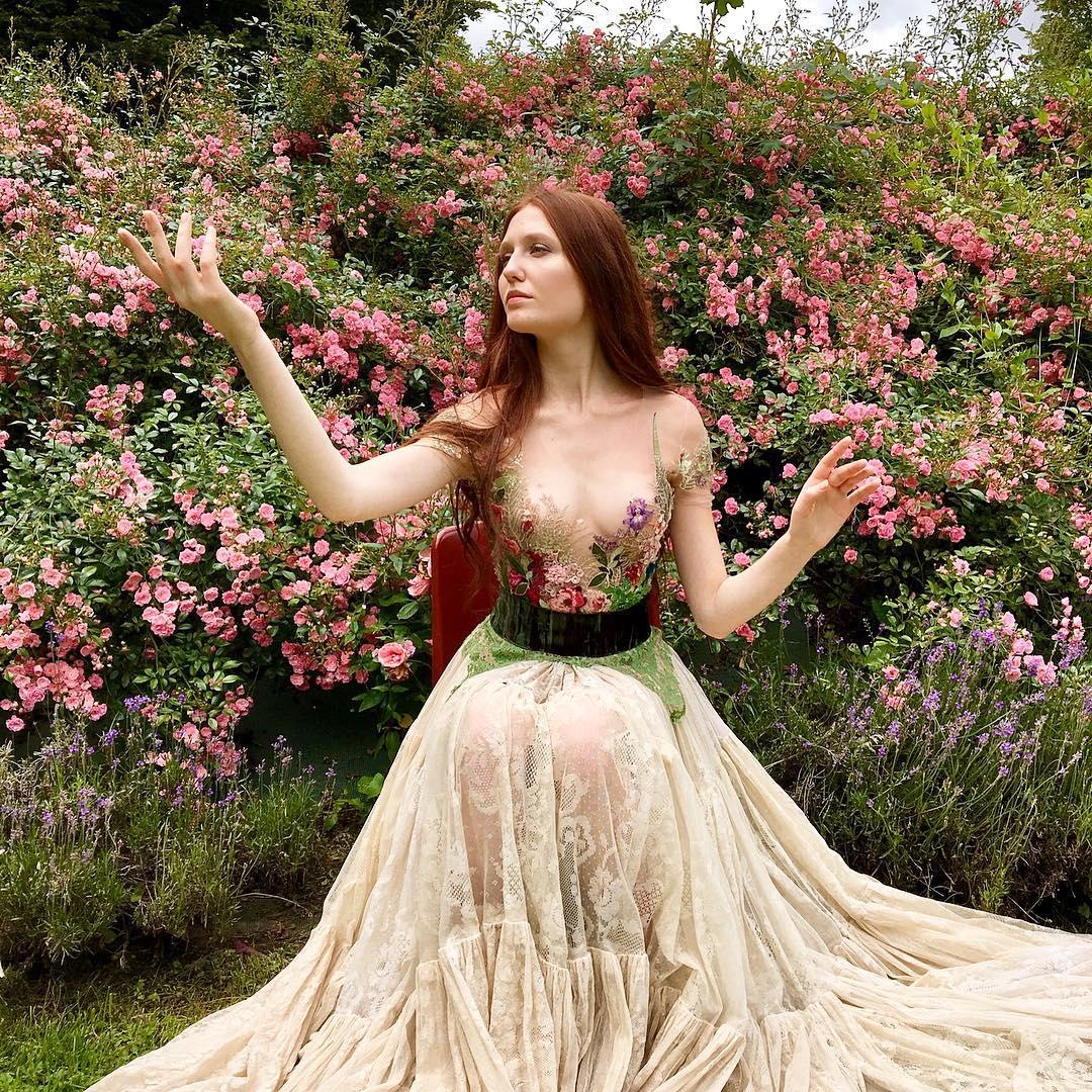 Les robes créatives et pleines d'histoires de Sylvie Facon