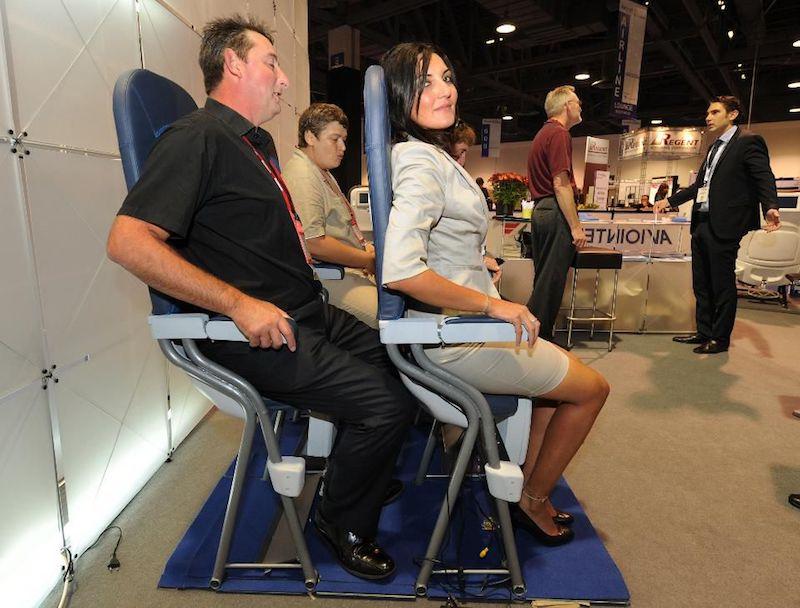 Des sièges pour voyager debout en avion