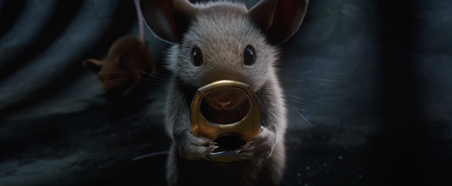 Students create a parody of The Lord of the Rings with mice in the Paris metro