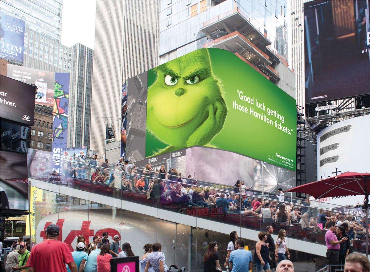 """Une campagne d'affichage géniale et grincheuse hacke le quotidien des américains pour le film """"Le Grinch"""" Par Thomas R.                Campagne-publicitaire-grinch-affichage-10"""