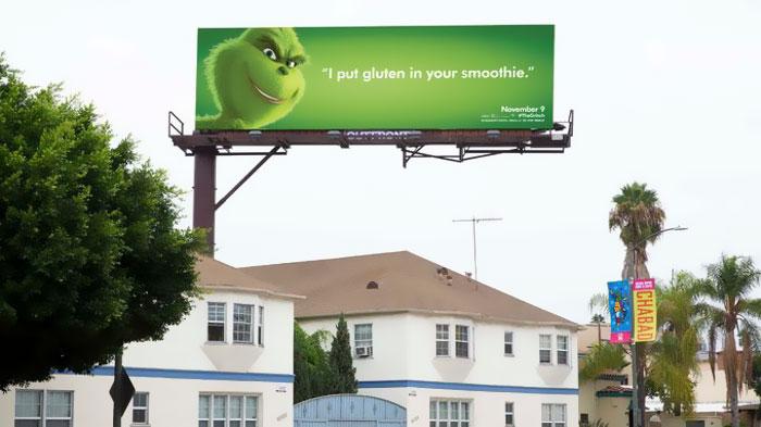 """Une campagne d'affichage géniale et grincheuse hacke le quotidien des américains pour le film """"Le Grinch"""" Par Thomas R.                Campagne-publicitaire-grinch-affichage-12"""