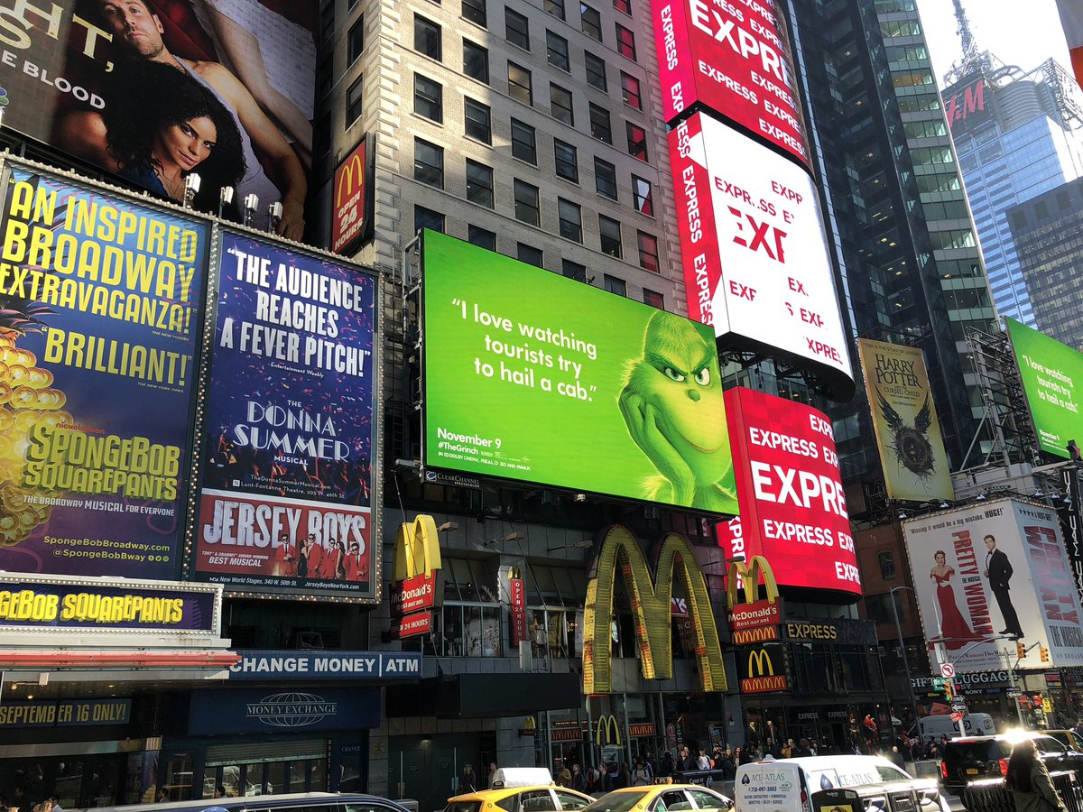 """Une campagne d'affichage géniale et grincheuse hacke le quotidien des américains pour le film """"Le Grinch"""" Par Thomas R.                Campagne-publicitaire-grinch-affichage-6"""