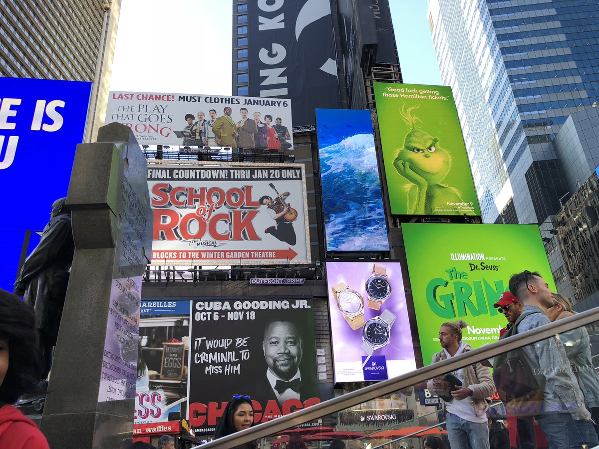 """Une campagne d'affichage géniale et grincheuse hacke le quotidien des américains pour le film """"Le Grinch"""" Par Thomas R.                Campagne-publicitaire-grinch-affichage-9"""