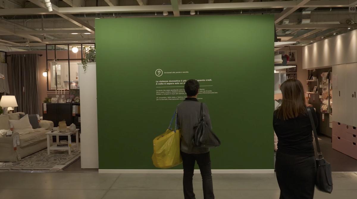 Ikea Installe Des Murs Sonores Qui Diffusent Des Bruits De Violences