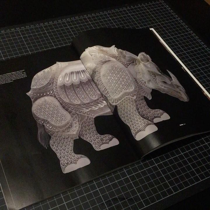 Avec du simple papier, il réalise de superbes portraits d'animaux en voie de disparition Patrick-cabral-papier-portraits-animaux-14