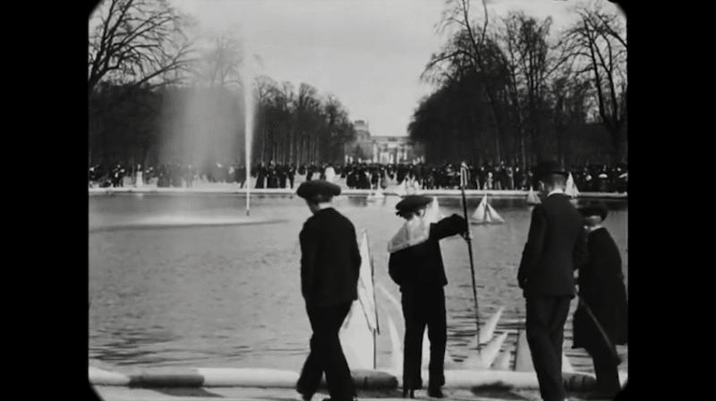 Cet impressionnant film restauré nous fait découvrir le Paris des années 1900 avec une qualité unique ! By  Claire L. Reconstitution-paris-vintage-1890-lumiere-freres-6