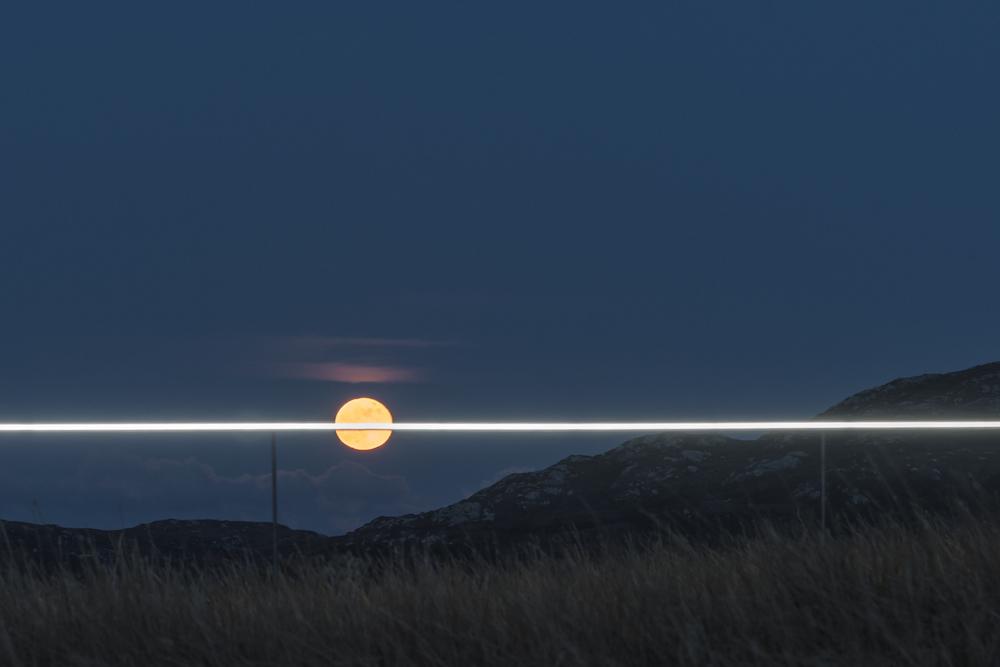 Ce village installe une ligne lumineuse pour sensibiliser à la montée des océans due au réchauffement climatique ! By VICTOR M. Lumiere-ocean-rechauffement-climatique-2