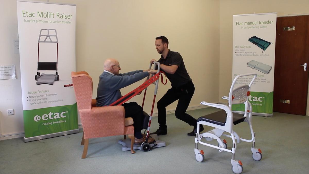 Ce système permet aux personnes à mobilité réduite de se lever plus facilement ! By Claire L. Etac-systeme-mobilite-reduite-lever-3