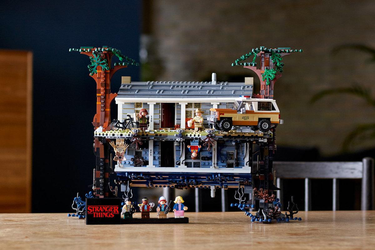 Lego D 233 Voile Un Set Renversant De Plus De 2000 Briques En