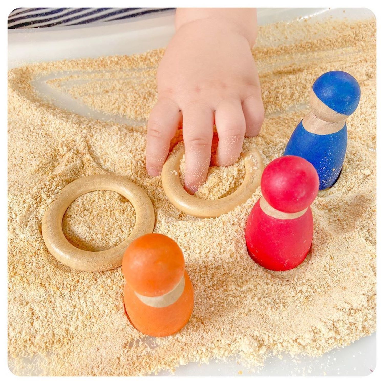 Ces mamans utilisent des Cheerios (sans sucre) pour créer du sable comestible
