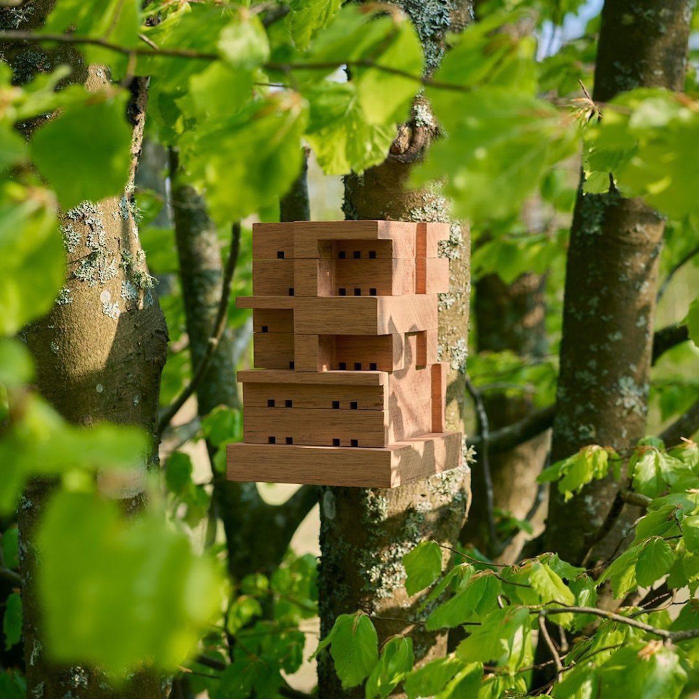 IKEA dévoile une ruche pour les abeilles via son studio SPACE10