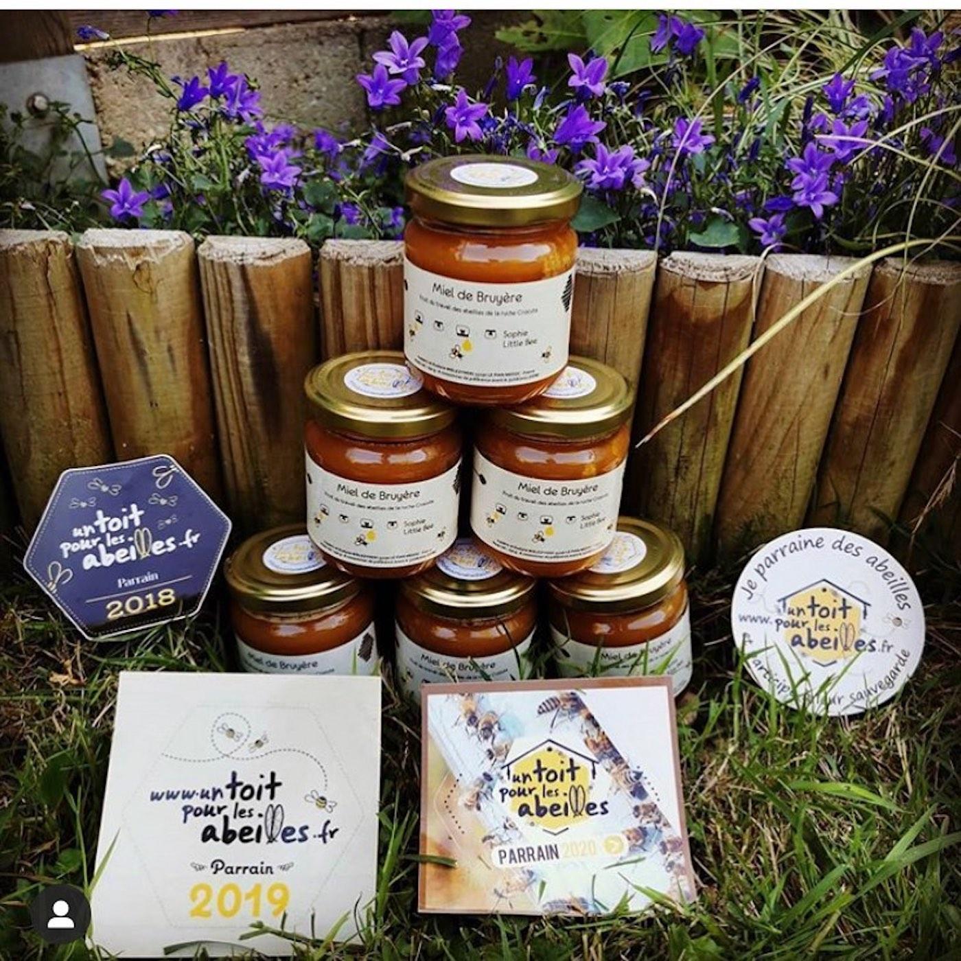 """Parrainez une ruche pour sauver les abeilles avec """"Un toit pour les abeilles"""""""