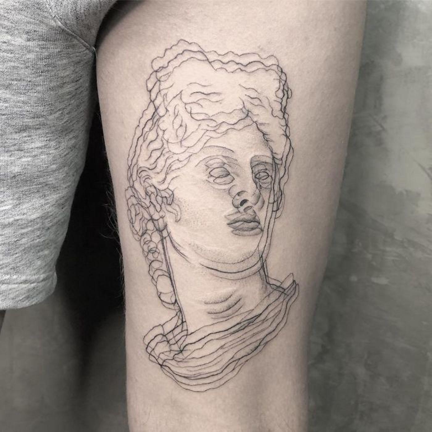 Les tatouages de Yatzil Elizalde sont impossibles à fixer dans les yeux