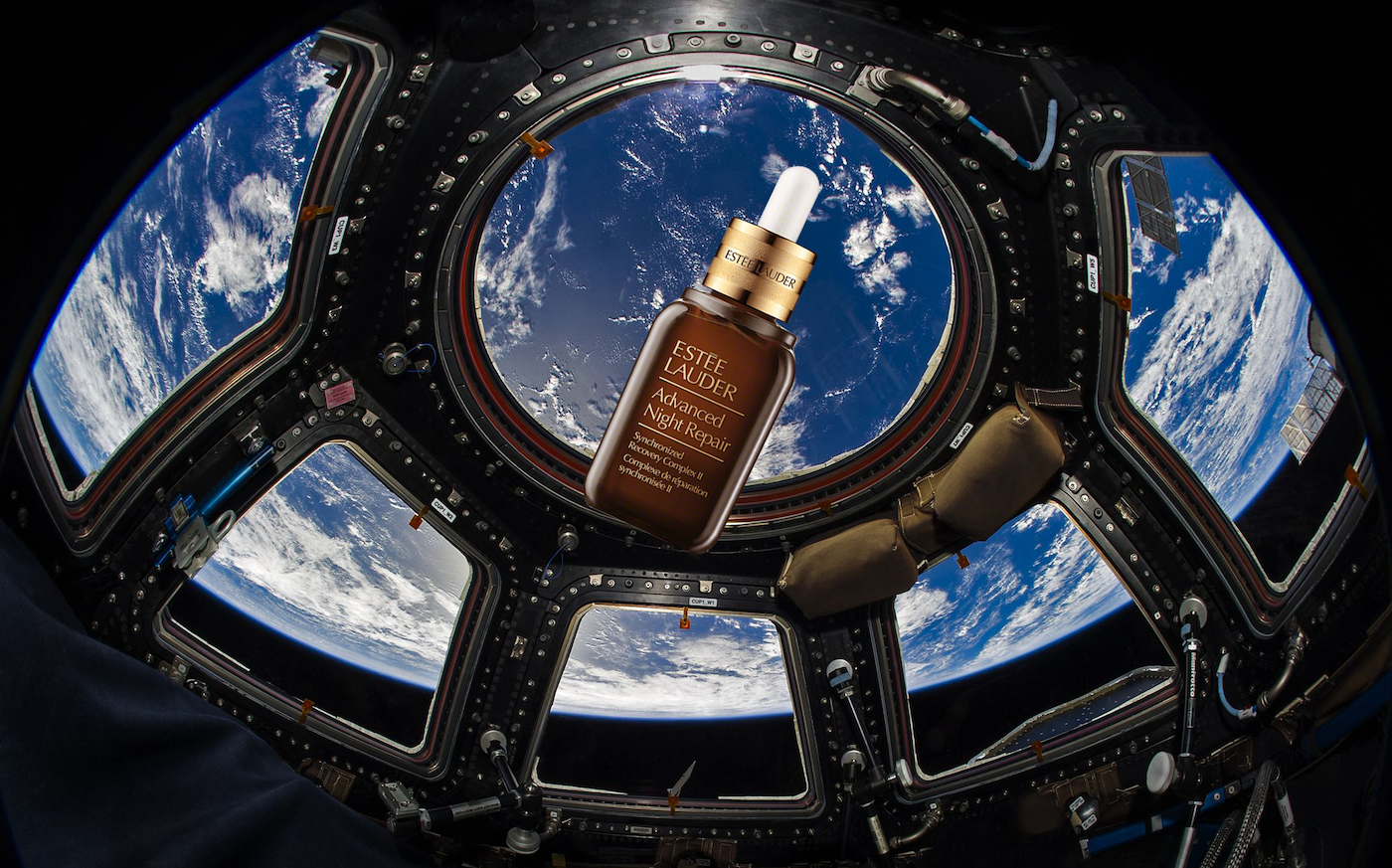 Estée Laudera a payé la NASA 120 000 $ pour un shooting photo dans l'espace
