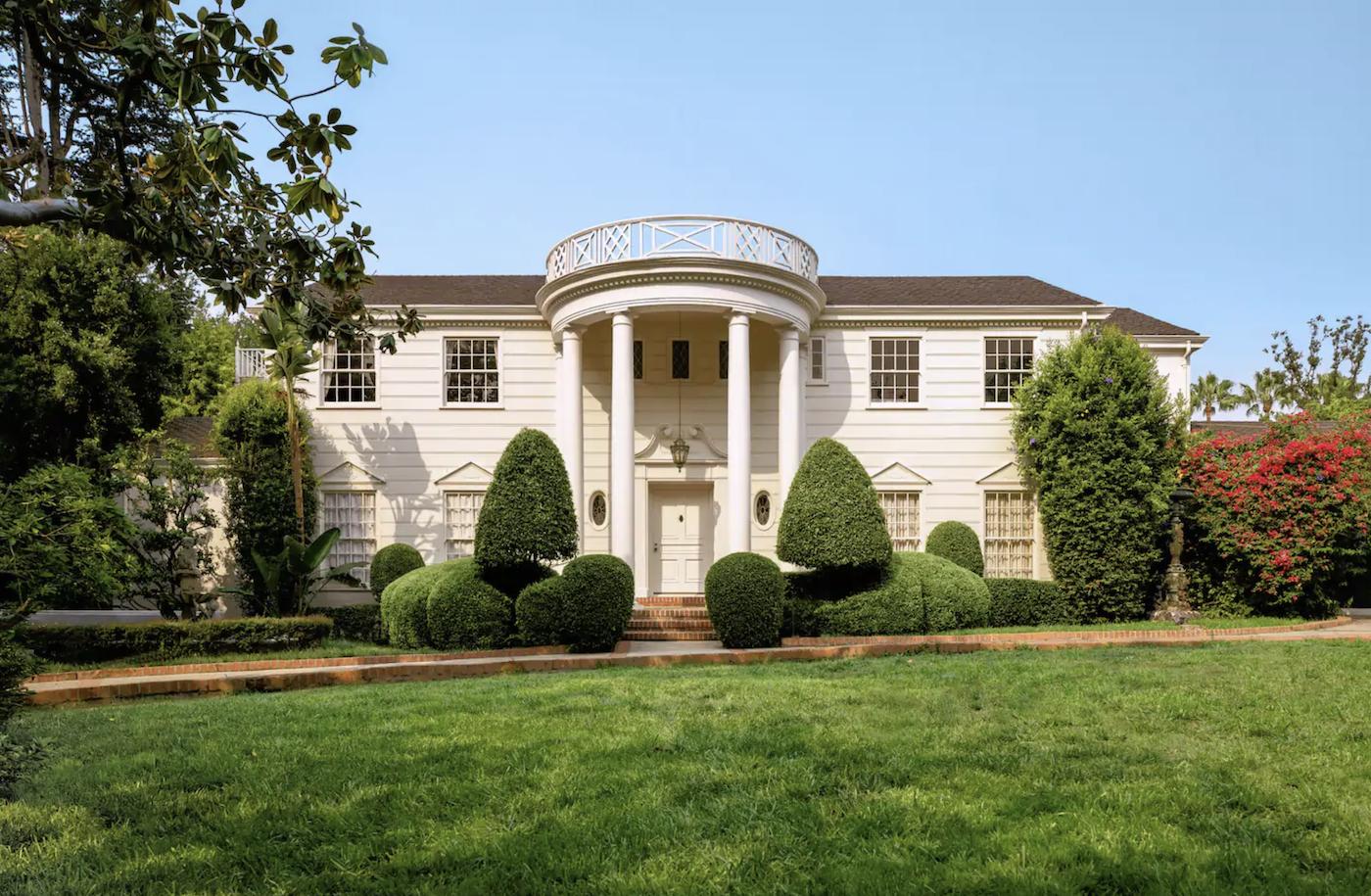 """Il est désormais possible de louer la villa du """"Prince de Bel-Air"""" sur Airbnb"""