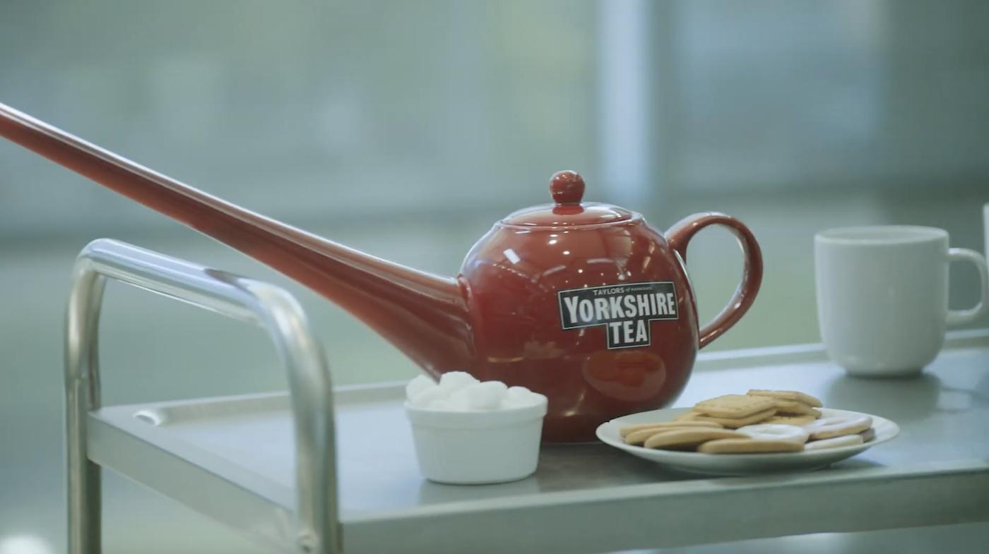 Royaume-Uni : la marque de thé Yorkshire Tea a conçu une théière qui favorise la distanciation physique