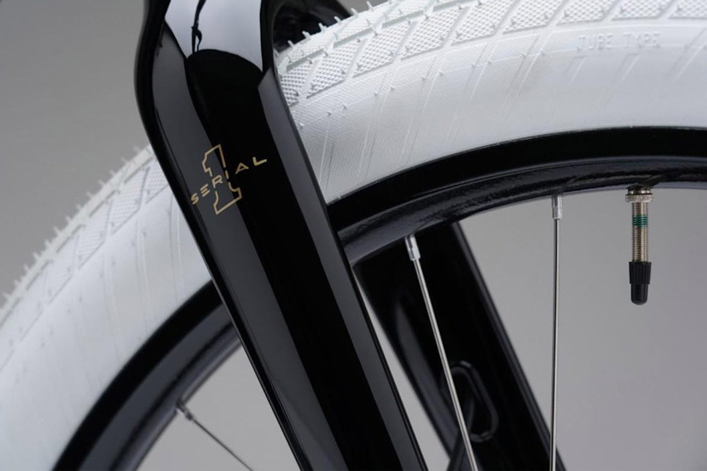 Harley-Davidson lance un vélo électrique dont le design rend hommage à sa première moto