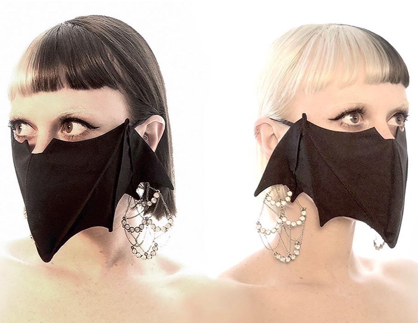 Un masque chauve-souris pour fêter Halloween en 2020