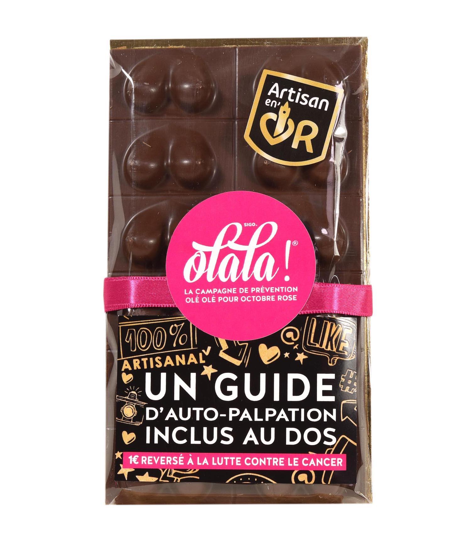 Une tablette de chocolat avec des seins pour Octobre rose