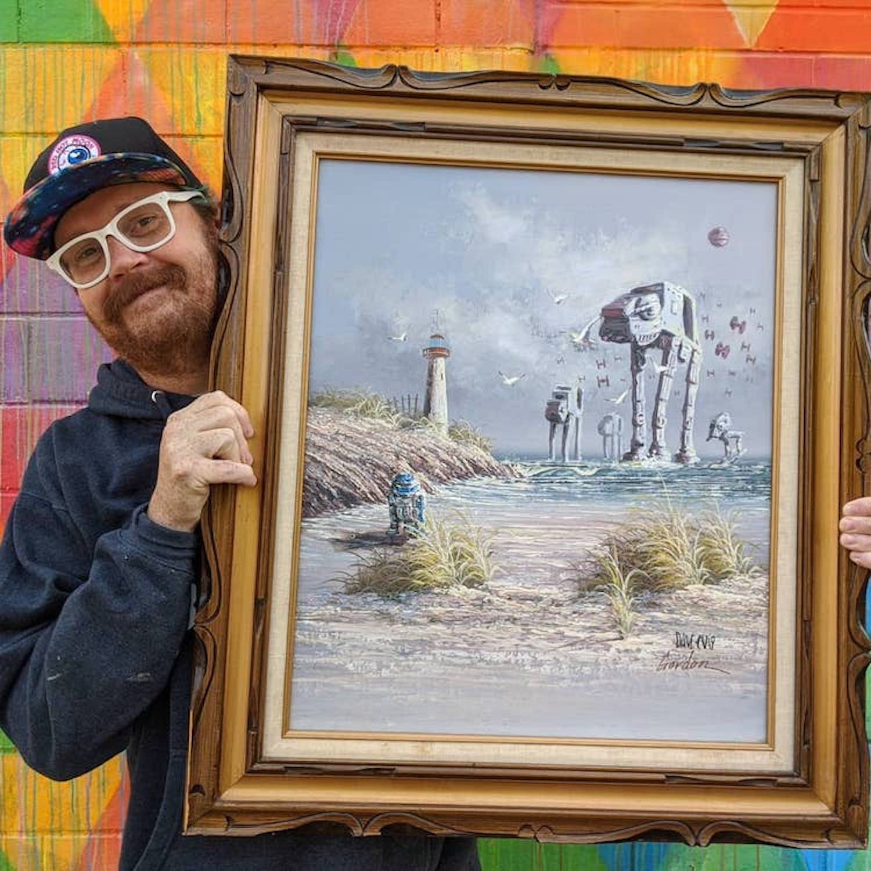 Il achète des tableaux dans des brocantes pour y intégrer des scènes de Star Wars
