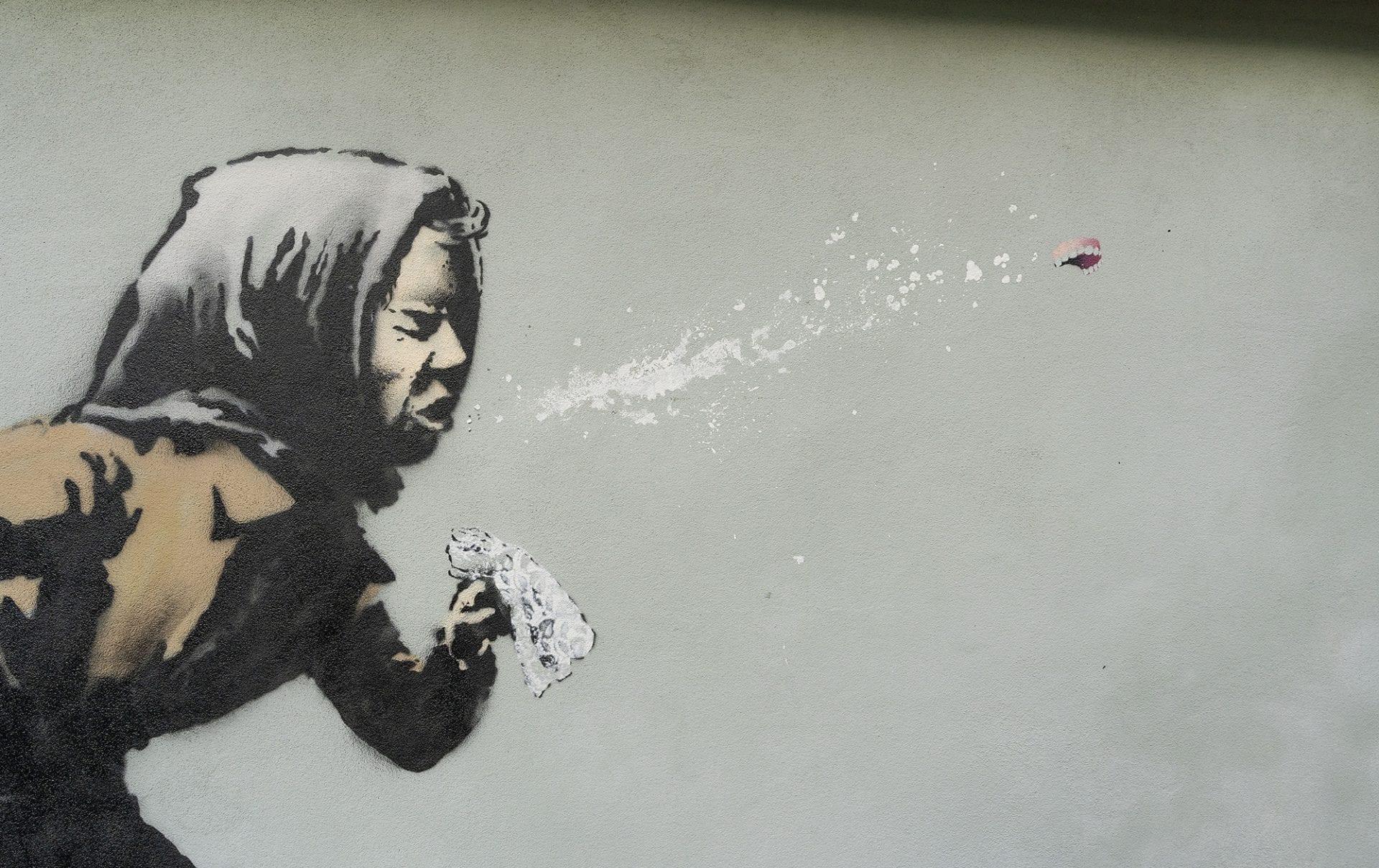 Une mamie qui éternue en plein Covid : le nouveau street art génial de Banksy