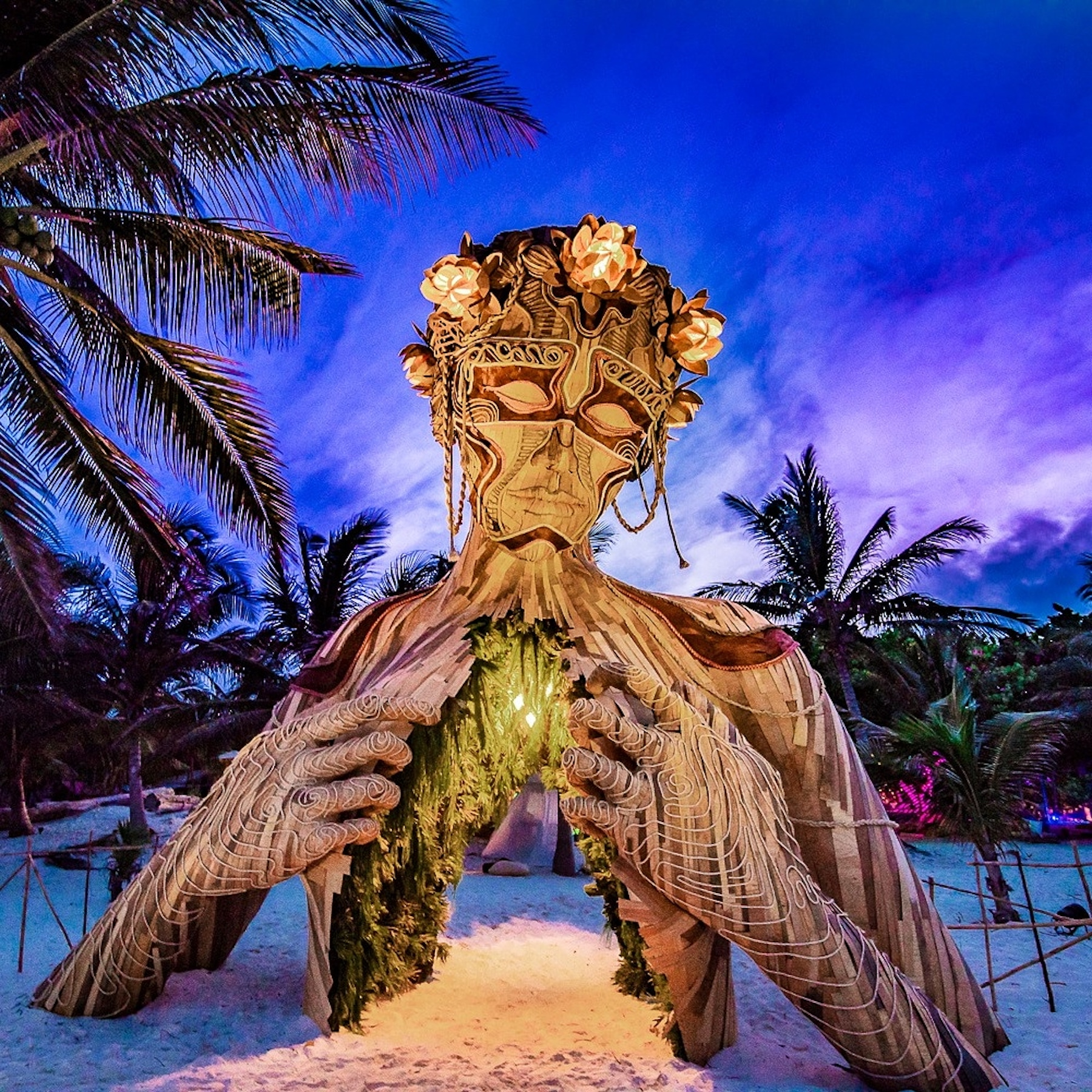 Van A La Luz sculpture par Daniel Popper