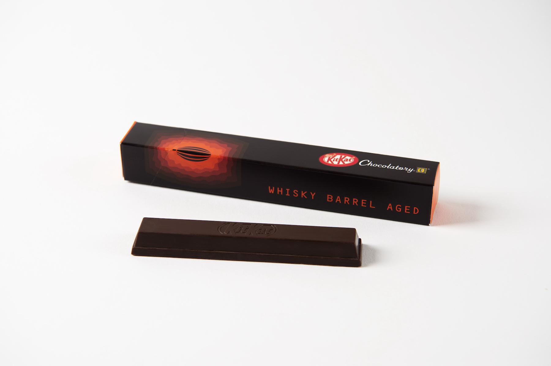 Kit Kat lance une barre de chocolat vieillie en fût de whisky pendant 180 jours