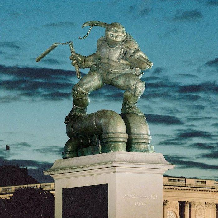 Paris : le photographe Benoit Lapray transforme les statues en personnages célèbres ! Par Maxime Delmas 123749413_193522658962159_2129236990382122345_n