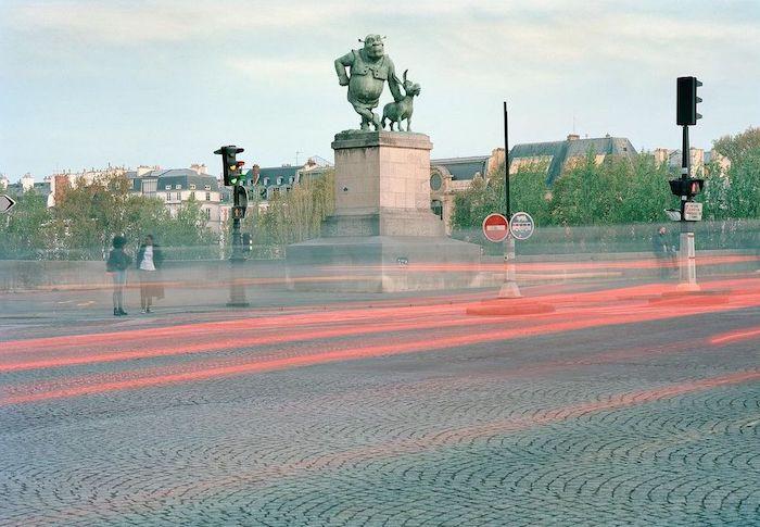 Paris : le photographe Benoit Lapray transforme les statues en personnages célèbres ! Par Maxime Delmas 125186275_189516606051024_55999274114385219_n