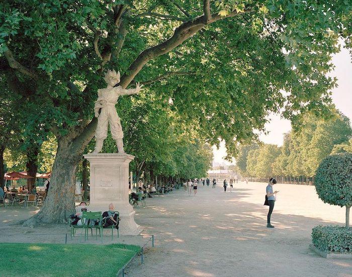 Paris : le photographe Benoit Lapray transforme les statues en personnages célèbres ! Par Maxime Delmas 149533490_873244086843563_4964659923967184634_n