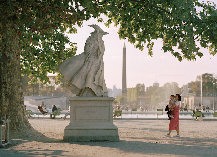 Paris : le photographe Benoit Lapray transforme les statues en personnages célèbres ! Par Maxime Delmas Capture-décran-2021-02-19-à-17.42.11