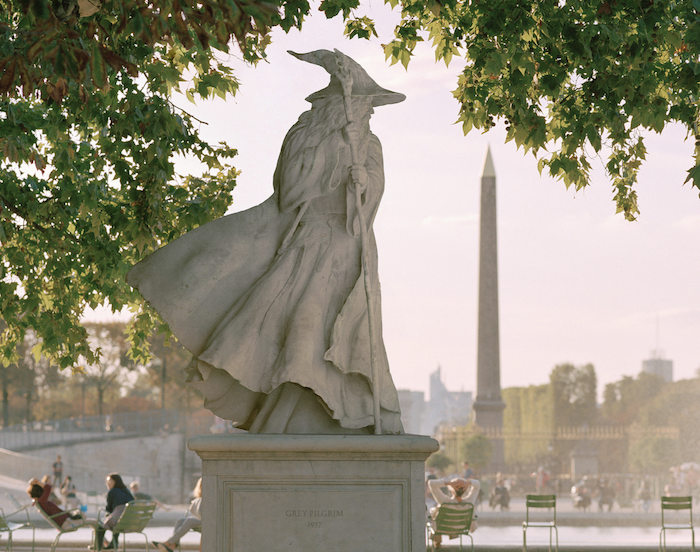 Paris : le photographe Benoit Lapray transforme les statues en personnages célèbres ! Par Maxime Delmas Capture-décran-2021-02-19-à-17.42.25