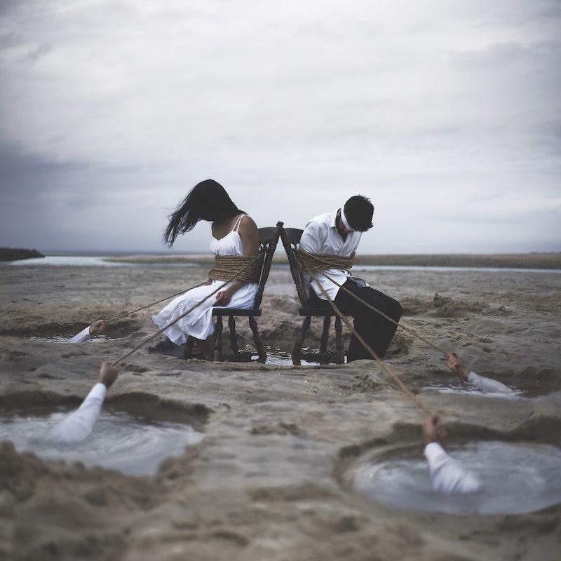 Inspiré par ses paralysies du sommeil, le photographe Nicolas Bruno crée des mises en scène cauchemardesques