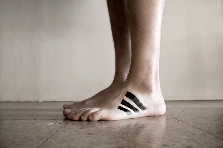 Le photographe Octavi Serra détourne le monde avec créativité et ironie