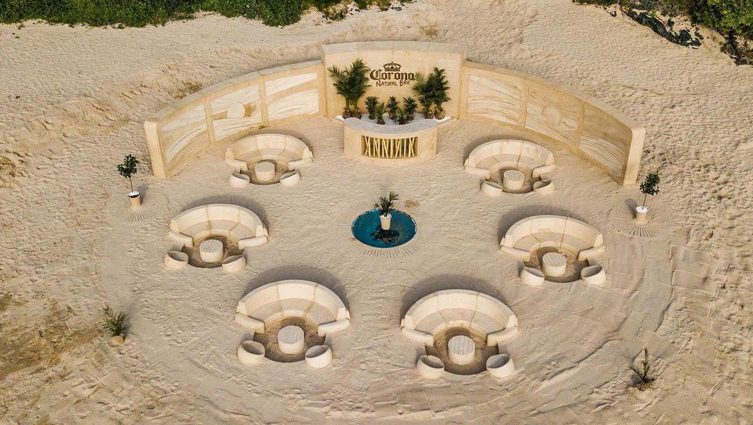 Corona crée un bar 100% naturel entièrement construit avec du sable
